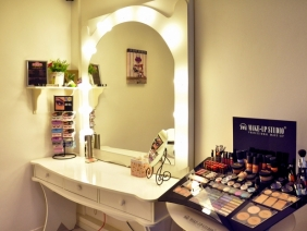 Make-up Room by Amelia Tamasan